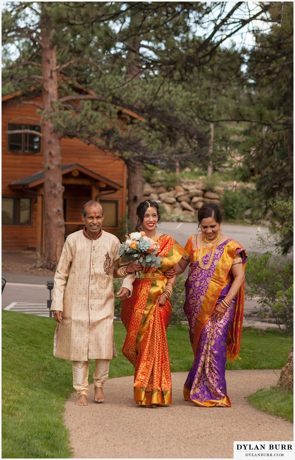 black canyon inn hindu wedding bride entering ceremony