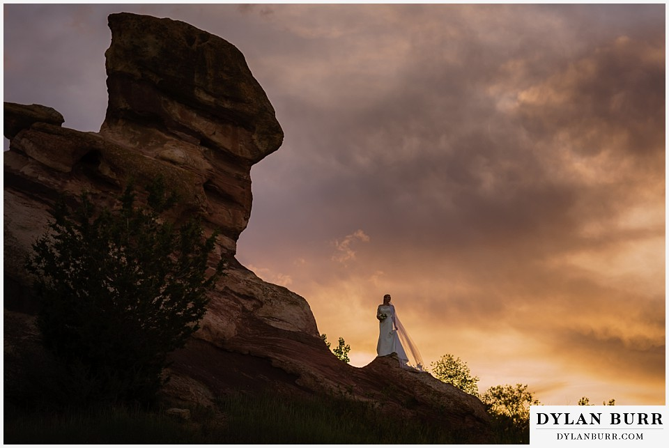 colorado bridal portrait session at sunset red rocks
