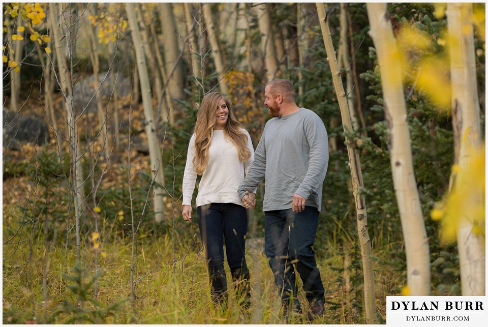 colorado mountain engagement session yellow gold aspen leaves