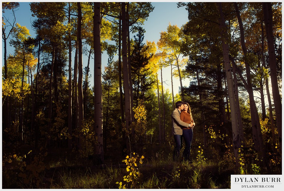 colorado fall engagement photos aspen trees