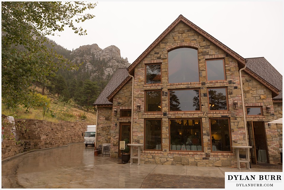 della terra wedding estes park colorado mountain wedding outside wedding venue