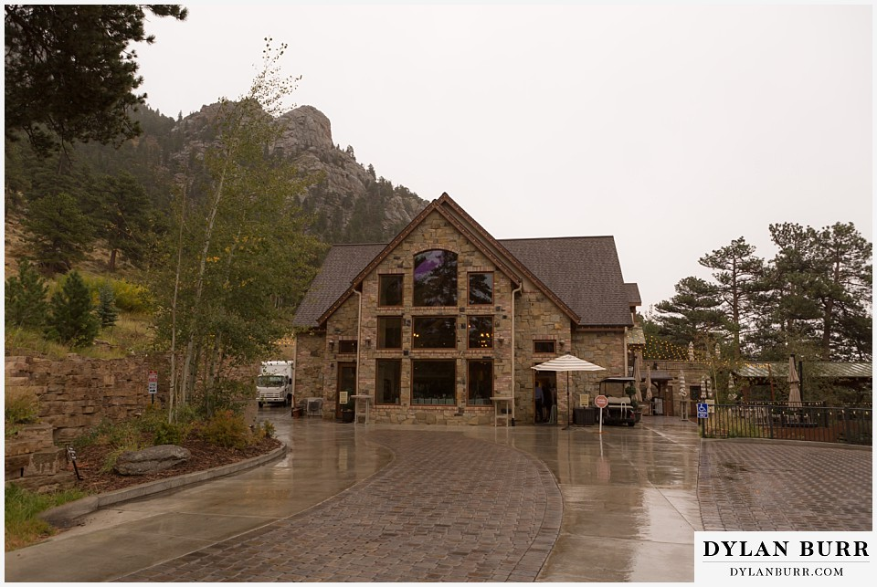 della terra wedding estes park colorado mountain wedding venue outside view