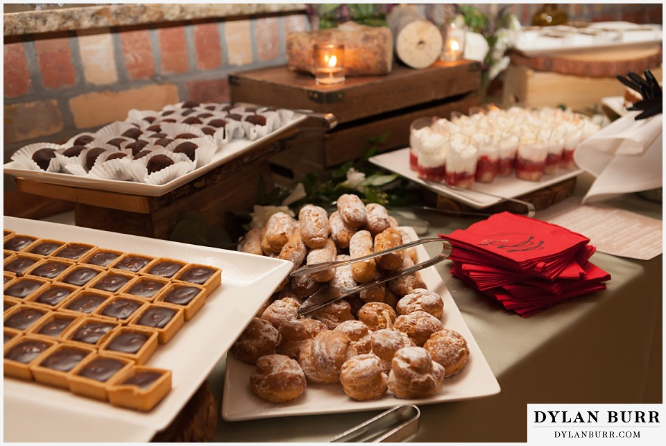 della terra wedding estes park colorado mountain wedding desserts