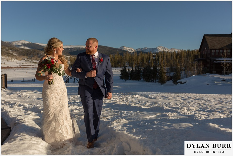 devils thumb ranch wedding in winter wedding couple in snow