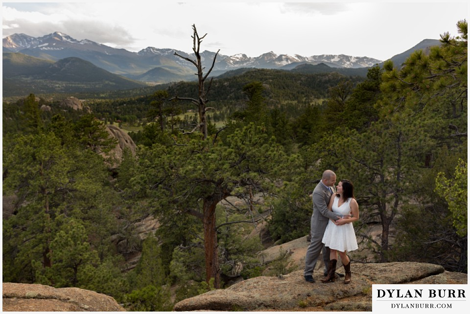 rocky mountain estes park engagement session view of Rocky Mountain National Park