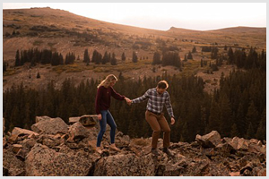 fall engagement photos in colorado