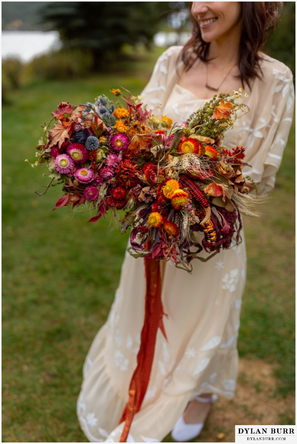 grand lake wedding elopement dried fall autumn wedding bouquet