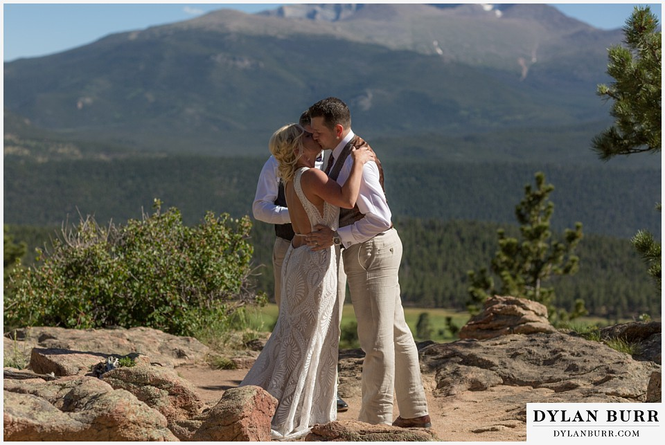 rocky mountain national park wedding elopement first kiss