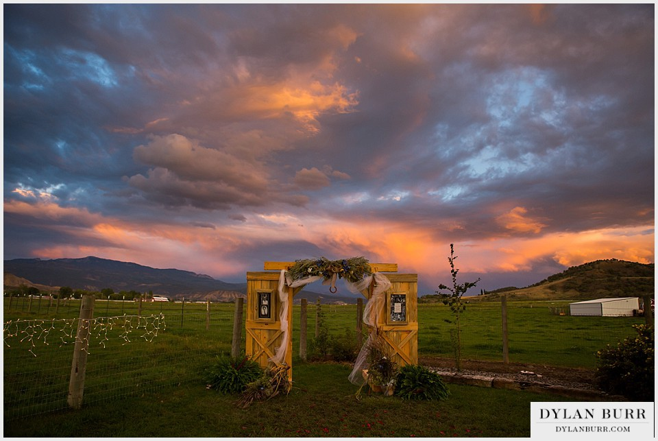 rustic outdoor colorado wedding venue sunset montrose co