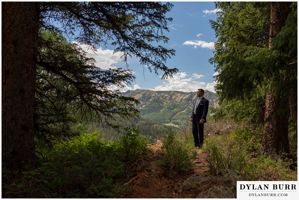 telluride colorado elopement wedding adventure groom ready waiting for bride first look