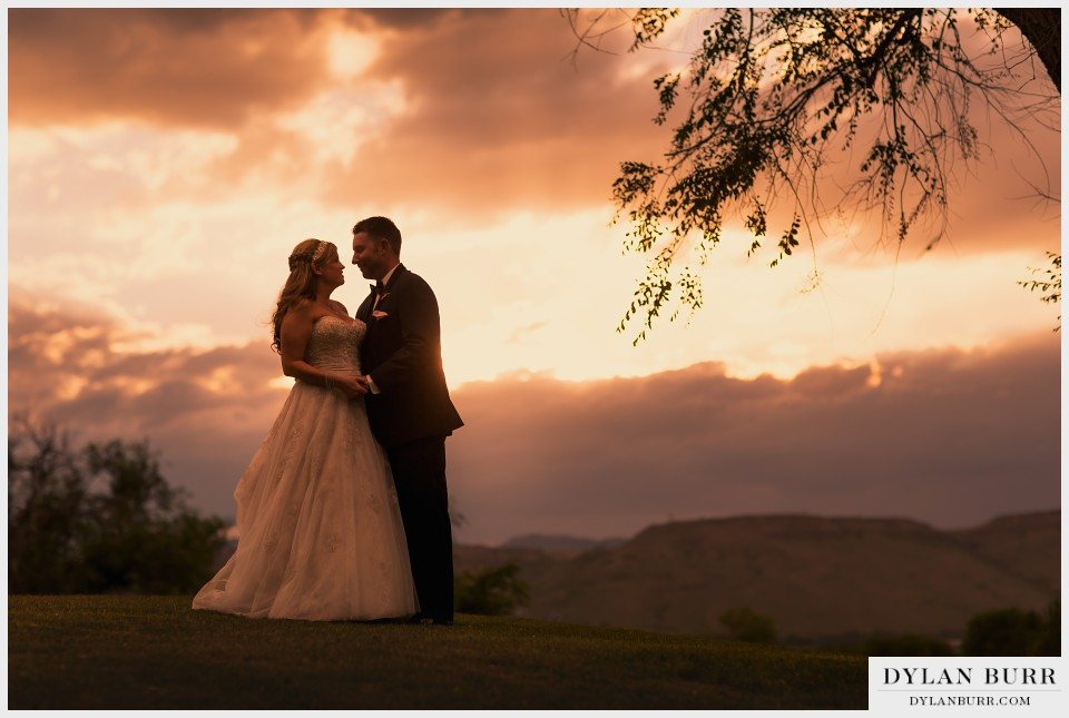 sunset wedding photographer vista at applewood